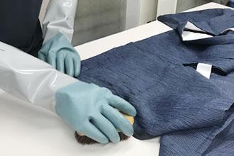 一点一点 丁寧に手洗いし お着物を清潔に保ちます